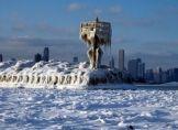 Starke Schneefälle und Eis in den USA