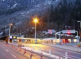 Montblanc-Tunnel für schwere Lkw geschlossen