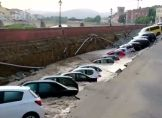 Florenz: Straße sackt rund zwei Meter ab