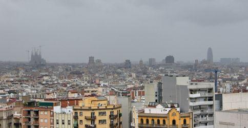 Kräftiger Regenschauer über Barcelona.