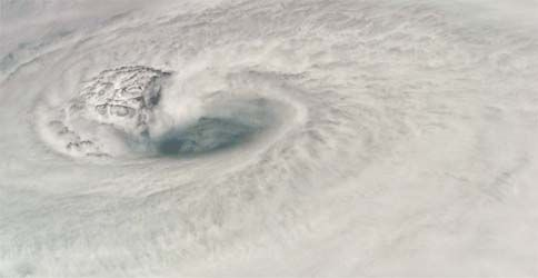 Auge des Hurrikan Dean aus dem All