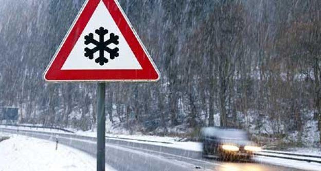 Schneeglatte Straße