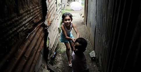 Kinder im Slum (dapd)
