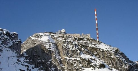 Wetterwarte Wendelstein mit Observatorium und Sendemast