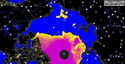 Die Eiskonzentration am 28.08.2012 12:00 UTC. Am Nordpol selber liegen, bedingt durch die Flugbahnen der Satelliten, keine Daten vor. (Quelle: DWD)