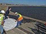 Flut von Plastikkugeln gegen Trockenheit