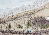 Monsterwelle - 150 Menschen ins Meer gerissen