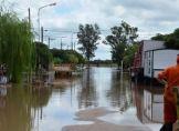 Tausende Menschen fliehen vor Unwetter