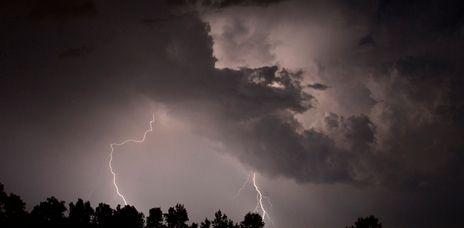 Zwei Tote durch Blitzeinschläge in Wales